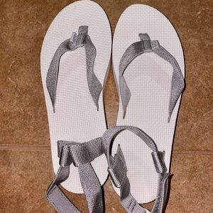 White and silver B-Grade Flatform Teva Sandals